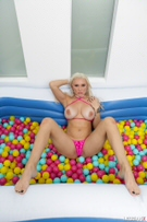 Ball Pit Fun! picture 17